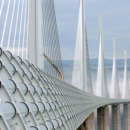 Millau-Viaduct-by-Foster-&-Partners