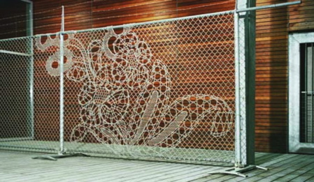 318-319-lace-fence.jpg