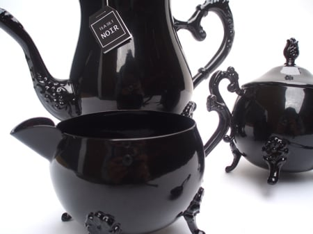 tea-set-noir-2.jpg