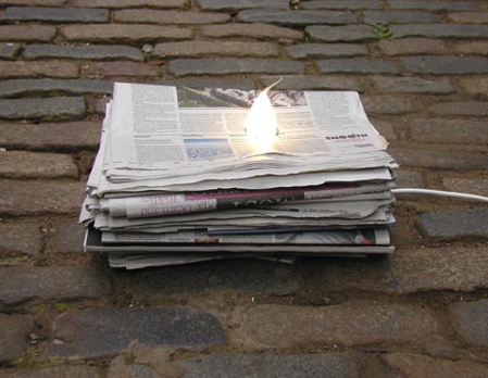 newspaper_lamp2.jpg