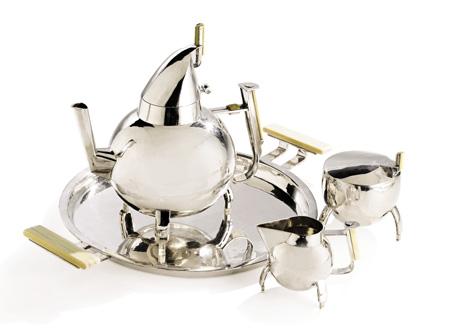 Чайник стоимостью 361 000 долларов: Марианна Брандт побивает рекорд аукциона Bauhaus