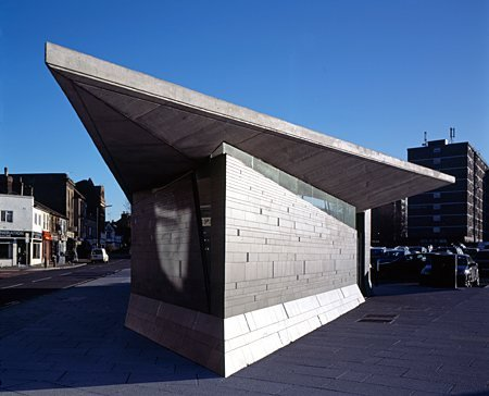 Gravesend public toilets by Plastik Architects