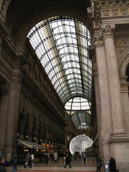 ring-dome-milan-01.jpg