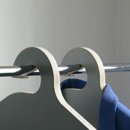 hanger_close.jpg