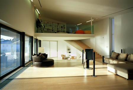 103lhd_housev_photo_by_dami.jpg