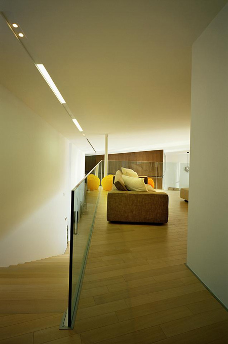 93lhd_housev_photo_by_damir.jpg