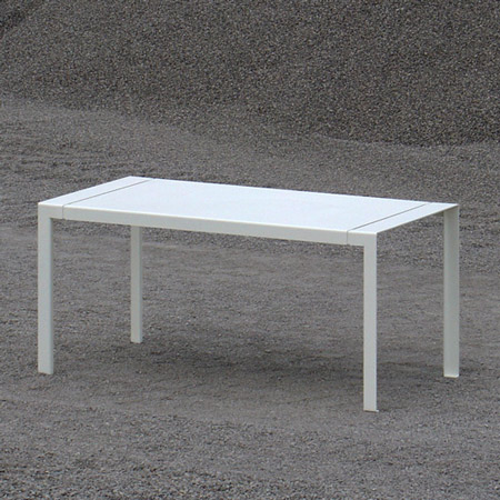 4millimetri table by Studiocharlie