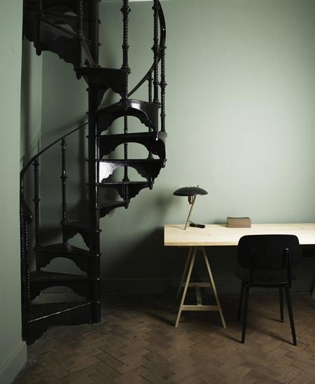 4-stairway-aesop-stud_4f02b.jpg