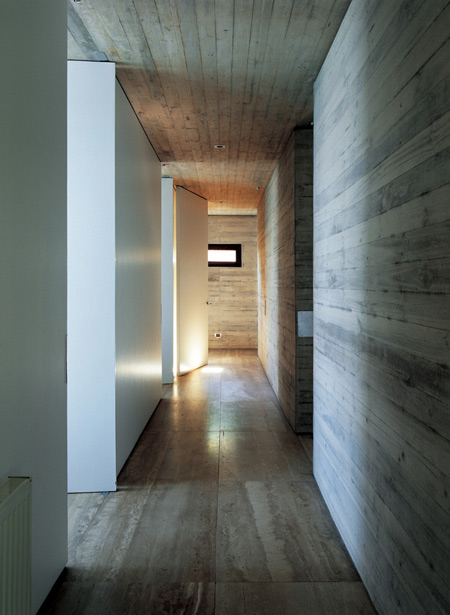 casa-11-mujeres-by-mathias-klotz-cristobal-palmaklo-keg-040.jpg