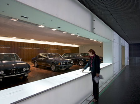 bmw-museum-munich-20_bmw-7-series.jpg