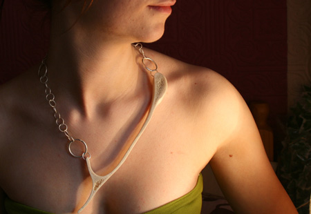 bone-project-by-andrew-ross-jewellery-laura2.jpg