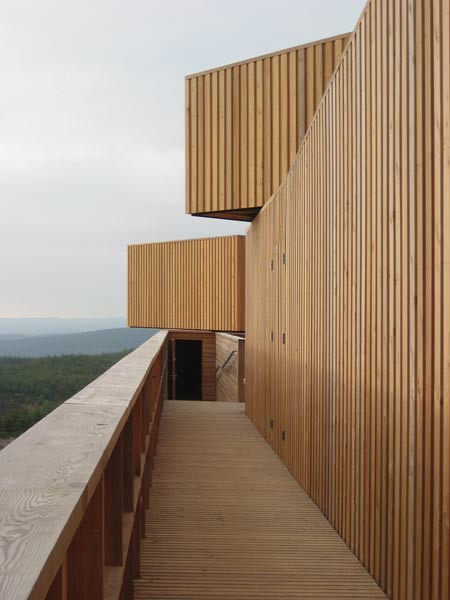 kielder-observatory-by-charles-barclay-architects-ext-along-corridor.jpg