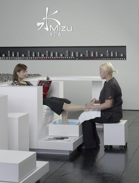 mizu-spa-by-stanley-saitowitz-service.jpg