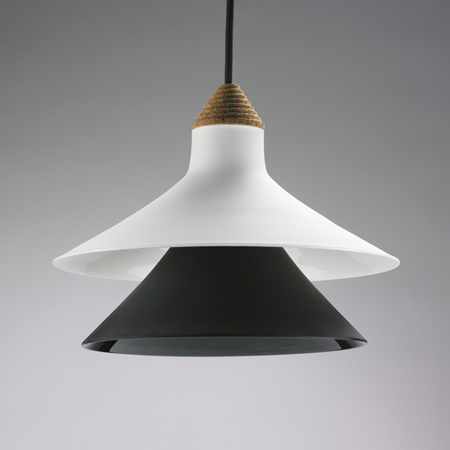plug-by-tomas-kral-suspension-lamp2_off.jpg
