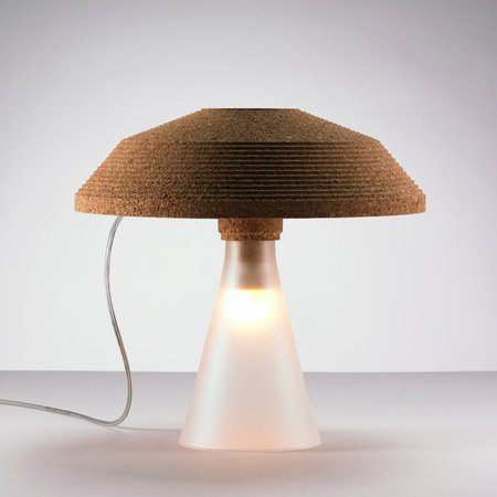 plug-by-tomas-kral-table_lamp_on.jpg