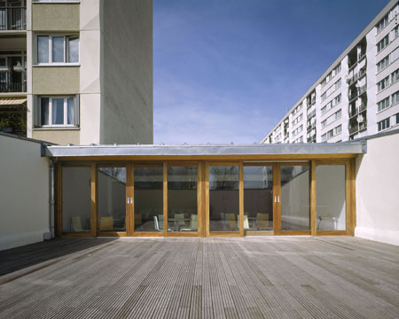 toy-library-in-bonneuil-sur-marne-by-lan-architecture-2-lud_lan_pht_int_8_bd.jpg