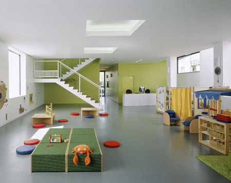 toy-library-in-bonneuil-sur-marne-by-lan-architecture-2-lud_lan_pht_int_bd.jpg