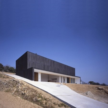 Atelier in Ushimado by Tezuka Architects