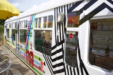 deptford-project-cafe-by-morag-myerscough-cath-train-008645.jpg