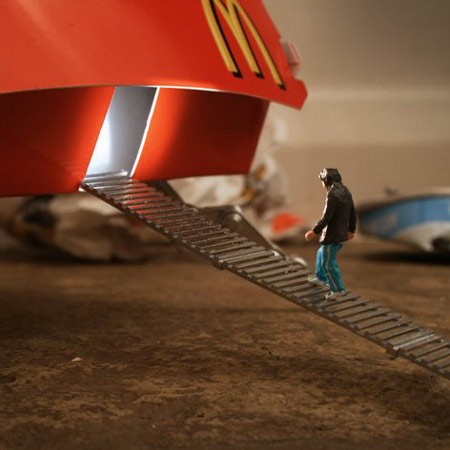ground-zero-by-slinkachu-life-2-blog.jpg