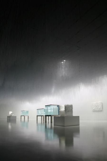 crystalchair-01.jpg