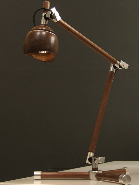 eco-desk-lamp-by-luminair1.jpg