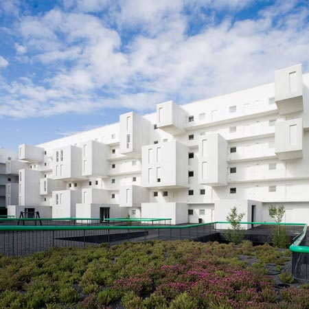 102 Dwellings by Dosmasuno Arquitectos