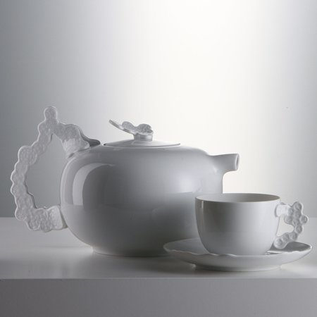 Partrica Urquiola – Purely Porcelain at the Design Museum