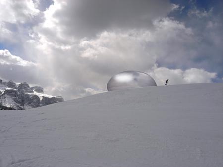 alpine-capsule-by-studio-lovegrove-landscape-07a.jpg