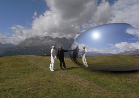 alpine-capsule-by-studio-lovegrove-summer-exterior-02.jpg