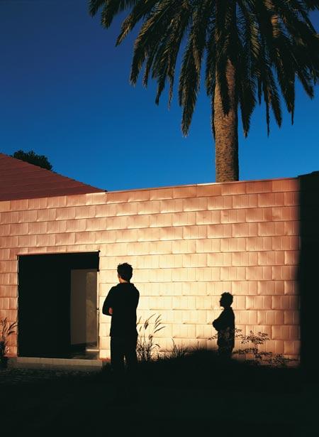 casa-parr-by-pezo-von-ellrichshausen-arquitectos-par-006.jpg