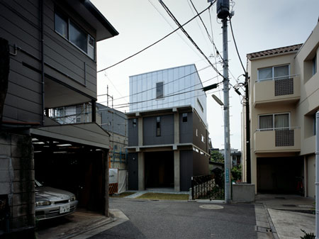 column-and-slab-house-by-ft-architects-02out.jpg