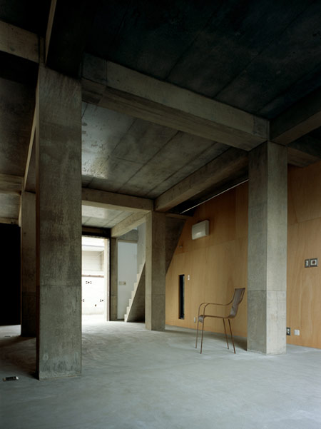 column-and-slab-house-by-ft-architects-051f.jpg