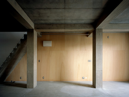 column-and-slab-house-by-ft-architects-061f.jpg