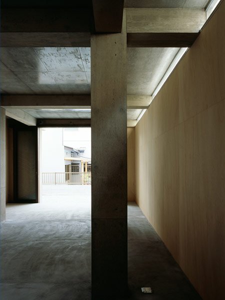 column-and-slab-house-by-ft-architects-071f.jpg