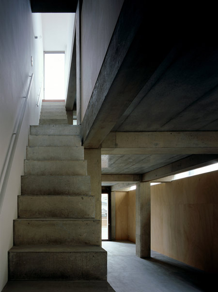 column-and-slab-house-by-ft-architects-081f.jpg