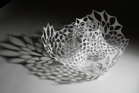 http://static.dezeen.com/uploads/2008/12/light-modulator-by-studio-lazerian-21-light-modulator-maquete.jpg