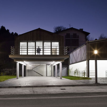 Arribe Ataio town hall and pelota court by VAUMM