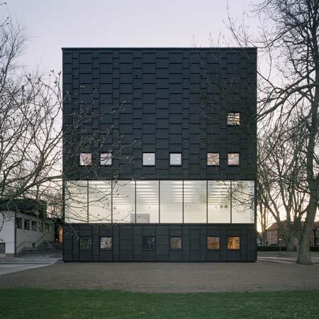 Kalmar Museum of Modern Art by Tham & Videgård Hansson Arkitekter