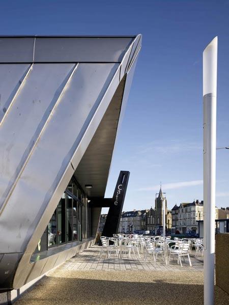 Silver Promenade café by Arca