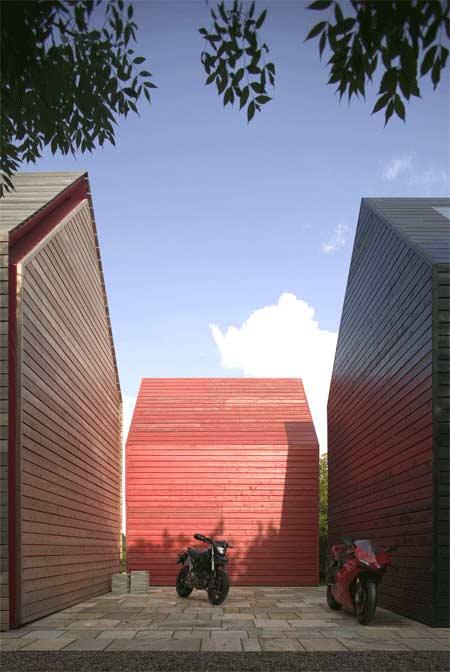 sliding-house-by-drmm-sh_extdseries02-1_22x32_300.jpg