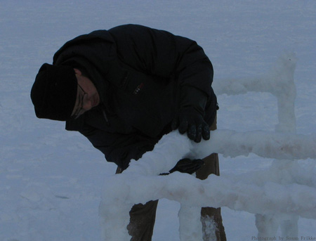 004-ice-and-snow-furniture-by-hongtao-zhou.jpg