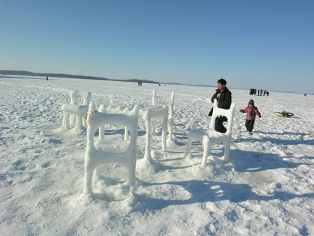 005-ice-and-snow-furniture-by-hongtao-zhou.jpg