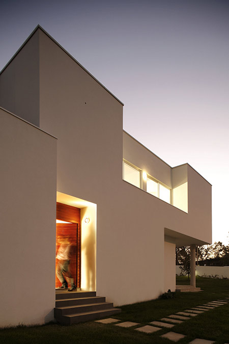 house-in-portugal-by-ana-reis_141008_1071a.jpg