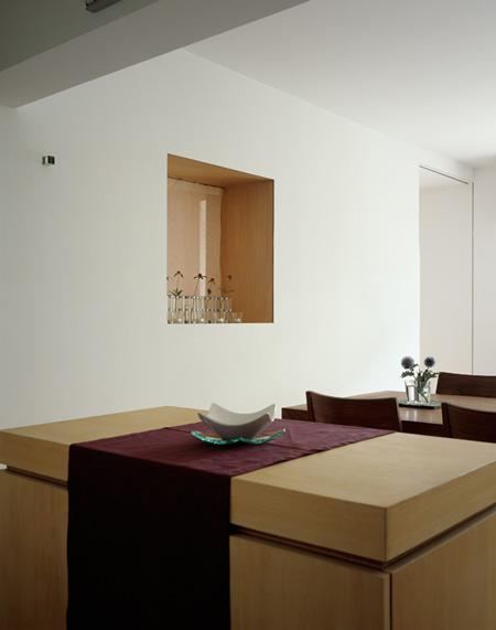 house-in-sagamino-by-hiroyuki-tanaka-architects-sgmr_302_p0002_s.jpg
