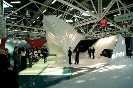 iris-and-fmg-by-francesco-librizzi-and-vittorio-venezia-cersaie2008-iris-109.jpg