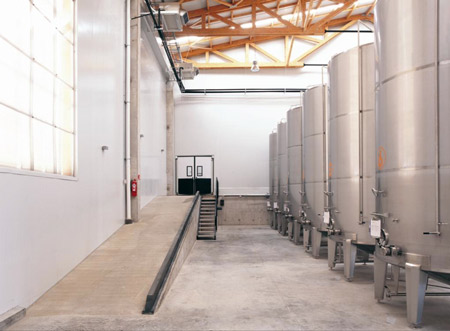 olisur-olive-oil-factory-by-gh-a-architects-17.jpg