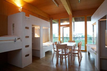 slunakov-by-projektil-architekti-slunakov_hostel-room.jpg