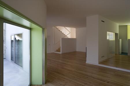 house-at-sobral-da-lagoa-by-bak-gordon-04608pr080630_012d.jpg