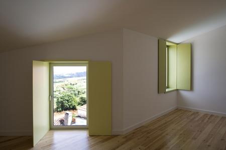 house-at-sobral-da-lagoa-by-bak-gordon-04608pr080630_015d.jpg